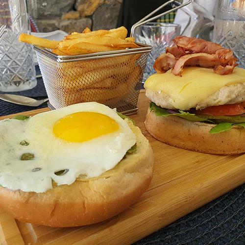 Burger au Poulet (Avec Bacon)